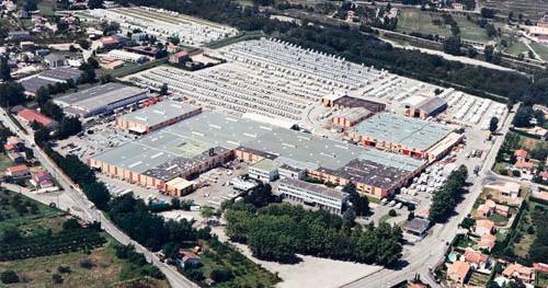 Jedna z największych w Europie fabryk przyczep i kamperów położona w malowniczym Tournon